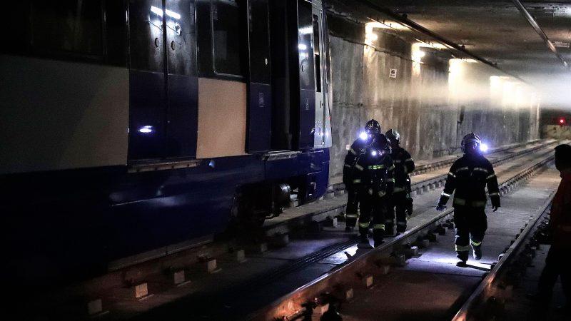 Simulacro de incendio en metro de madrid. Estadio Metrpolitano, Madrid, octubre de 2017